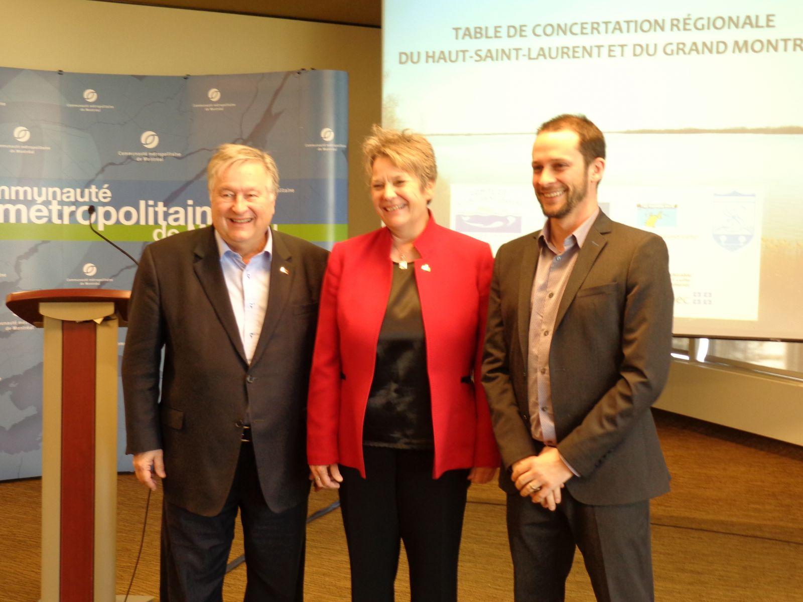 Les allocuteurs, de gauche à droite: M. Denis Lapointe, Mme Chantal Rouleau et M. Nicolas Milot
